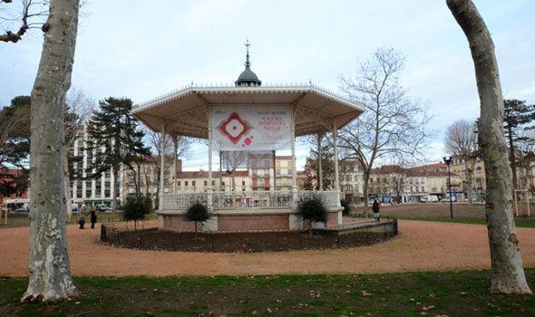 Place des Promenades - Bâche - © Frédéric Rizzi - Ville de Roanne
